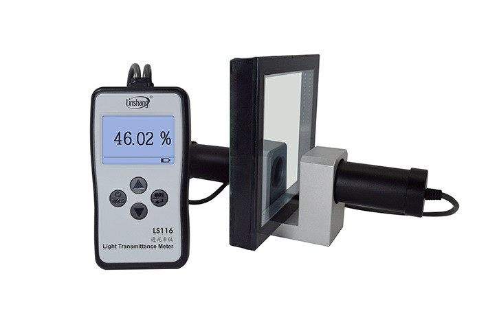 Optical Transmission Meter test the glass