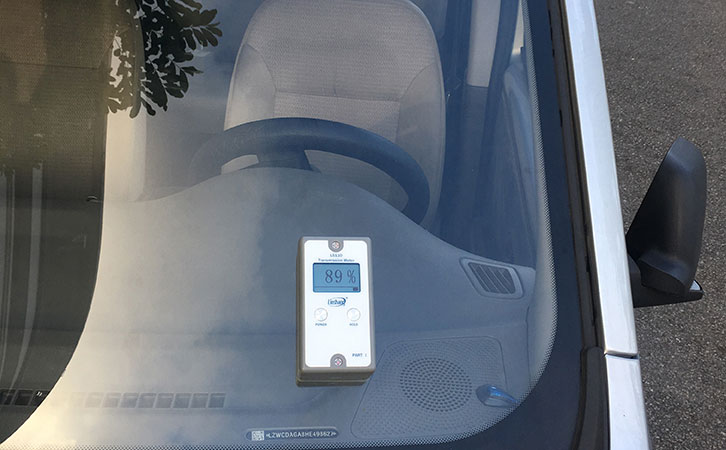 The Operation Method of Front-windshield Transmittance Meter