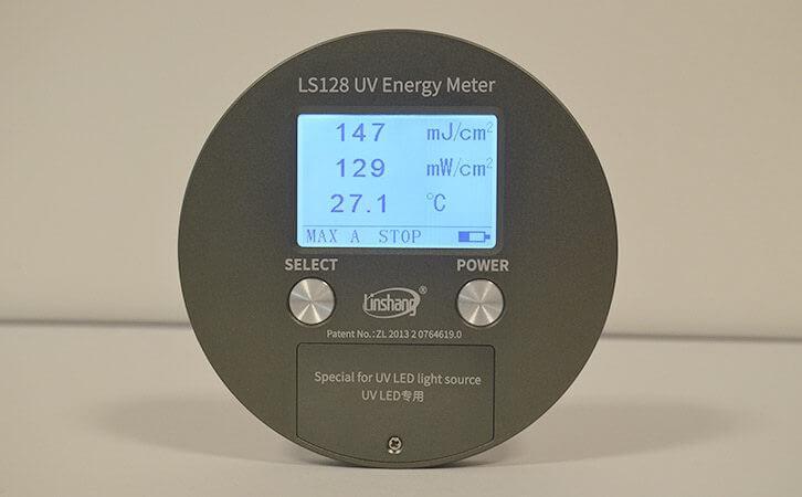 UV measurement device
