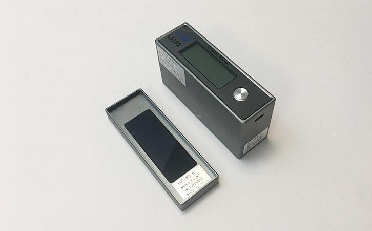 LS192 handheld portable gloss meter