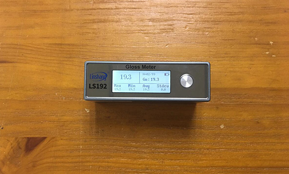 Using Gloss detector Measure Paint Gloss