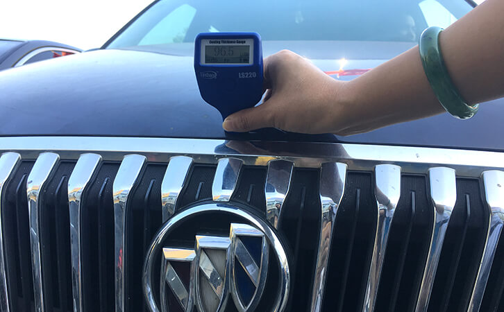 LS220B automotive paint thickness gauge test the Buick GL8 car paint thickness