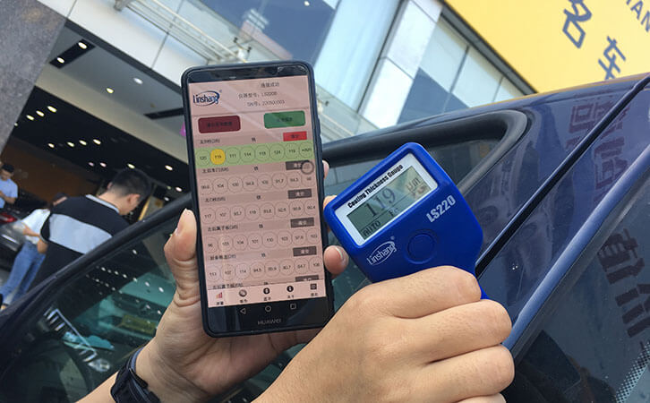 Difference between Standard and Bluetooth Film Thickness Gauges