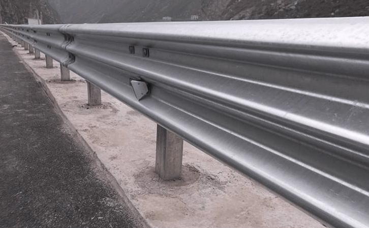 corrugated guardrail