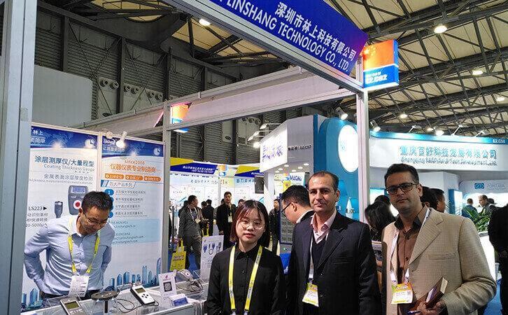 Linshang staff with customers